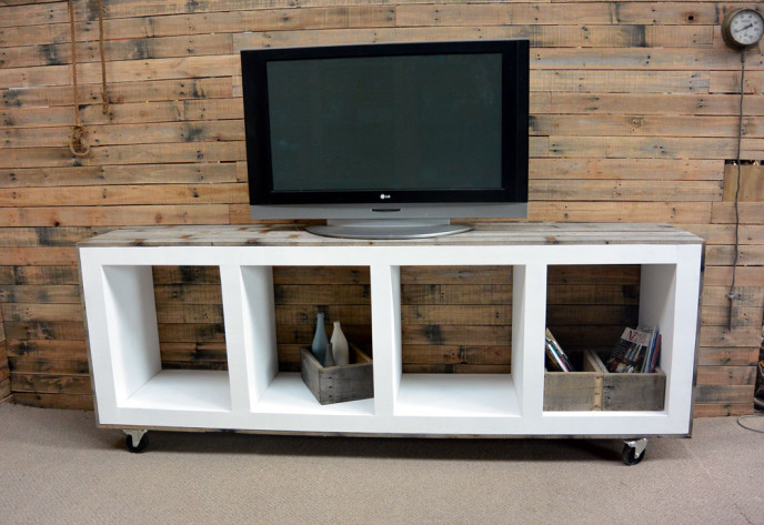 large scale entertainment unit pallet
