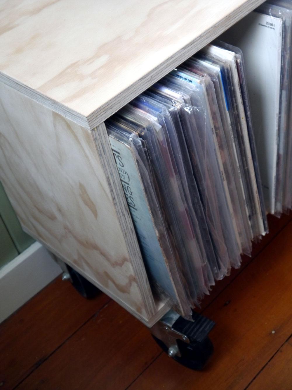 record storage unit